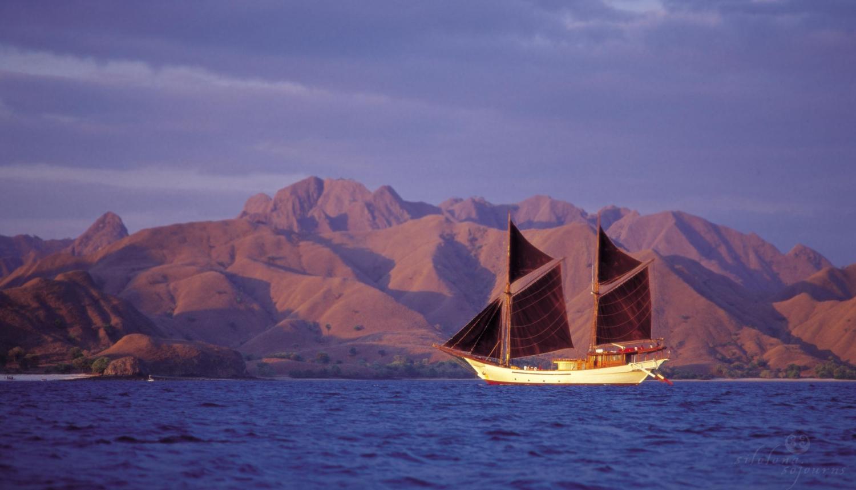 Raja AmpatAW Private Travel