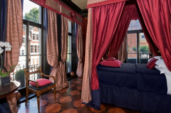 Red Romantic Four Poster Bed