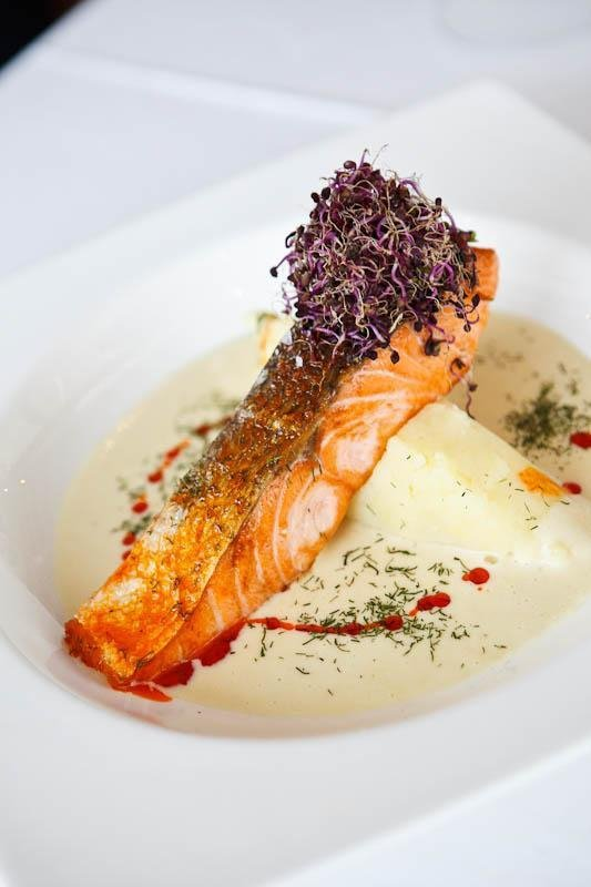 Salmon with purée of potatoes