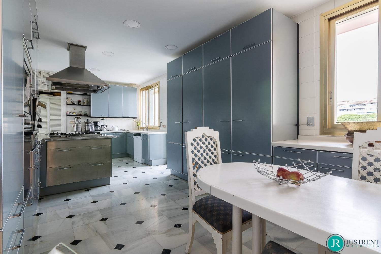 Penthouse Gray d'Albion